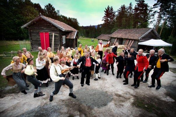 Stor mønstring av unge folkemusikarar på Dyrskuen